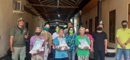 Berbagi Kasih,  Peduli Kasih Bagi Masyarakat Desa Panji